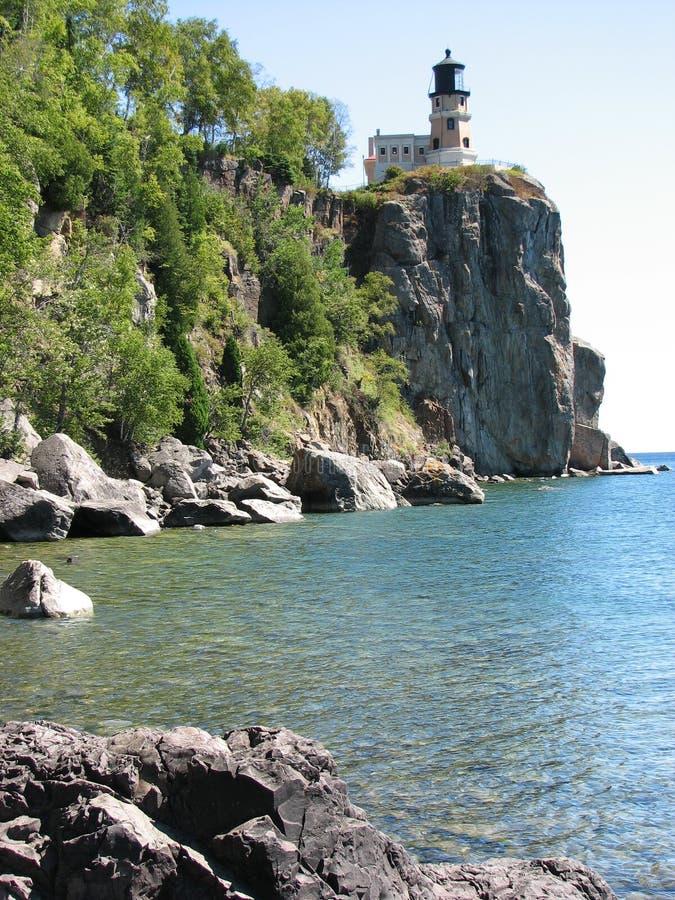 Casa ligera de la roca partida imagen de archivo libre de regalías