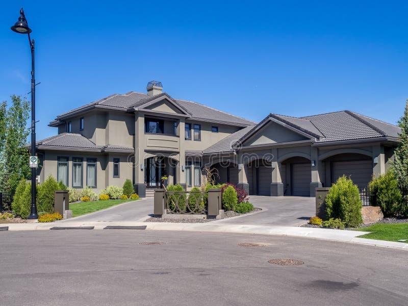 Casa luxuosa, Calgary imagem de stock