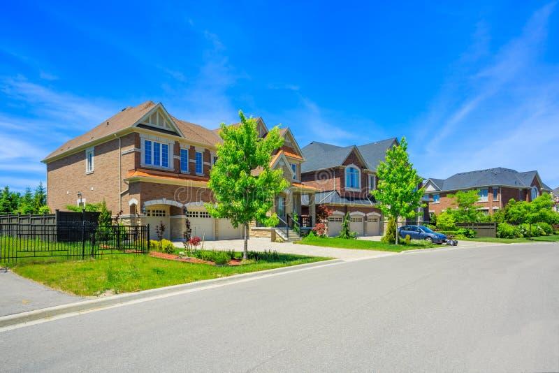 Casa luxuosa feito por encomenda nos subúrbios de Toronto, Canadá fotos de stock