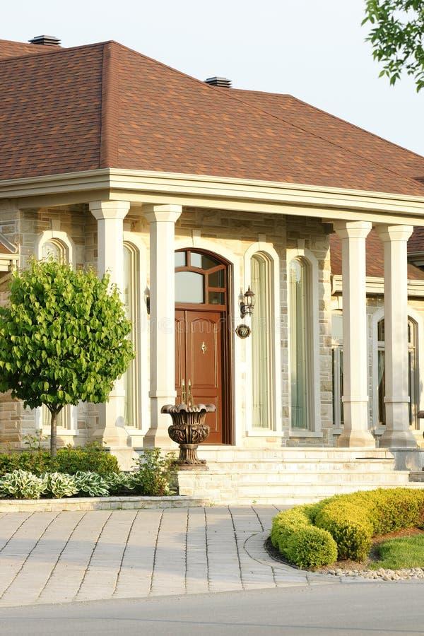 Casa luxuosa nova fotografia de stock royalty free