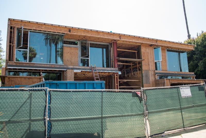 Casa luxuosa que está sendo construída em Beverly Hills fotografia de stock royalty free