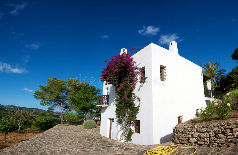 Casa mediterrânea em Ibiza imagens de stock