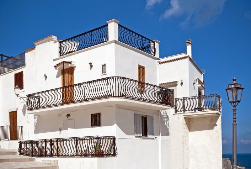 Casa mediterranea tipica fotografia stock immagine di for Numeri di casa mediterranea