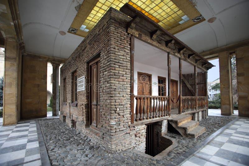 A casa memorável onde Stalin é acreditado ter sido carregado na cidade de Gori, Geórgia imagens de stock