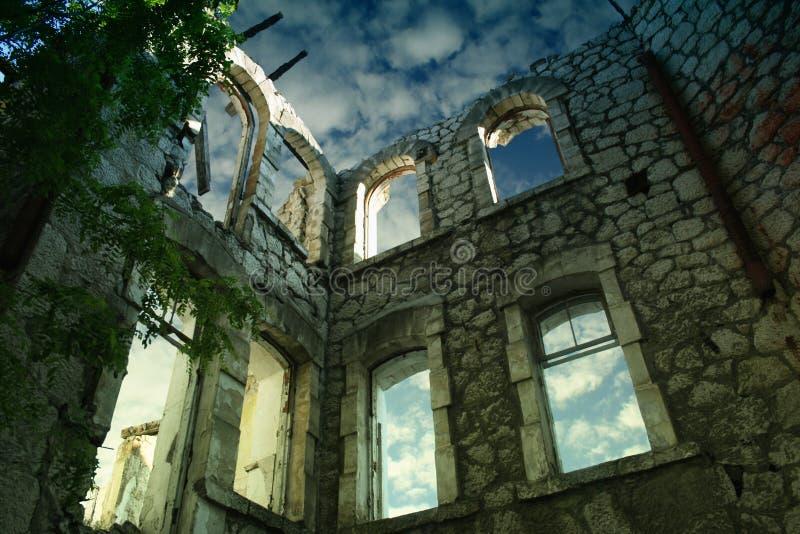 Casa messa a nudo a Yalta, Ucraina fotografie stock