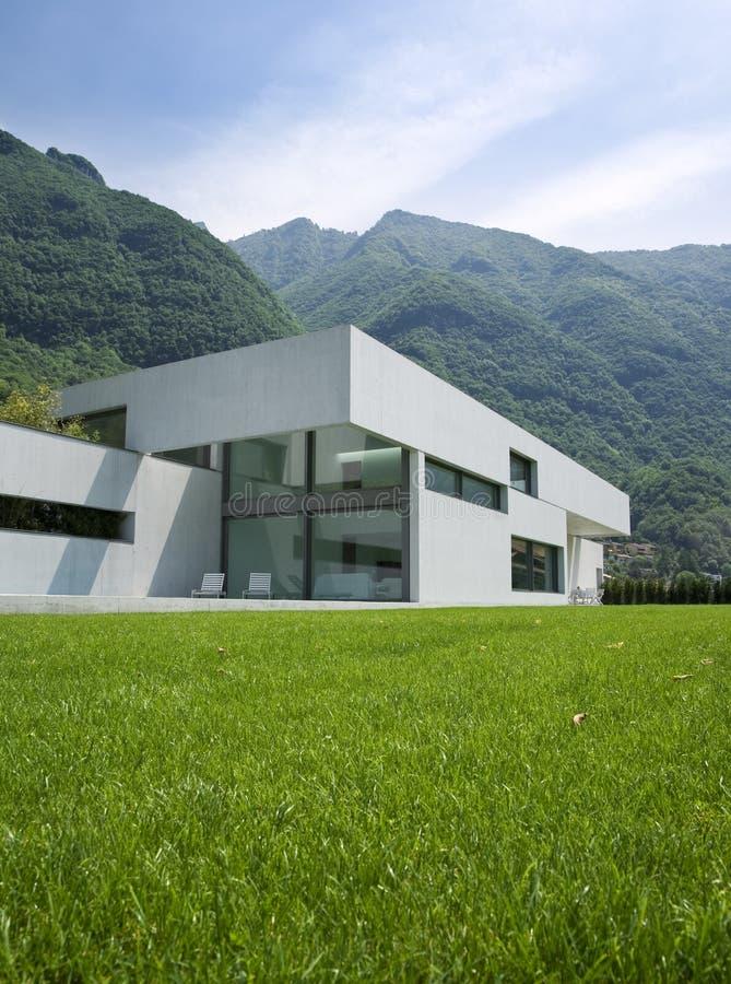 Casa moderna fotos de stock royalty free