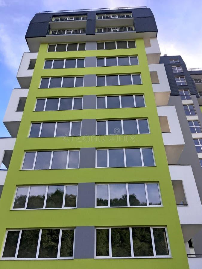 Casa moderna do multi-andar em Lviv fotos de stock royalty free