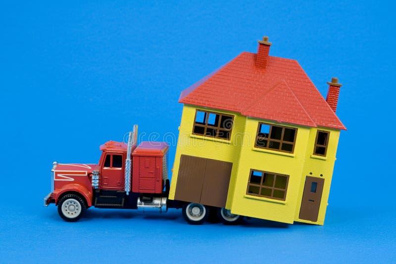 Casa movente (versão azul) fotografia de stock royalty free