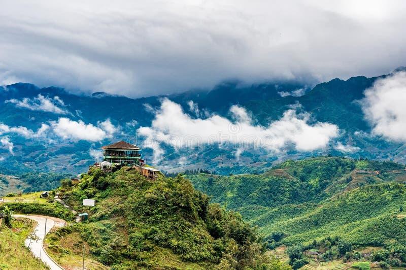 Casa na montanha, Sapa, Vietname foto de stock royalty free