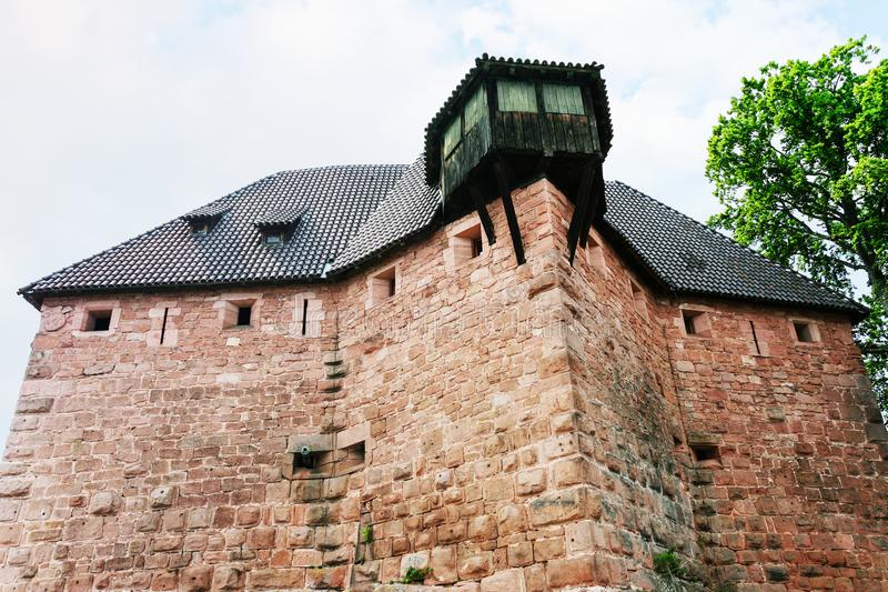 Casa no castelo Castelo du Haut-Koenigsbourg foto de stock royalty free