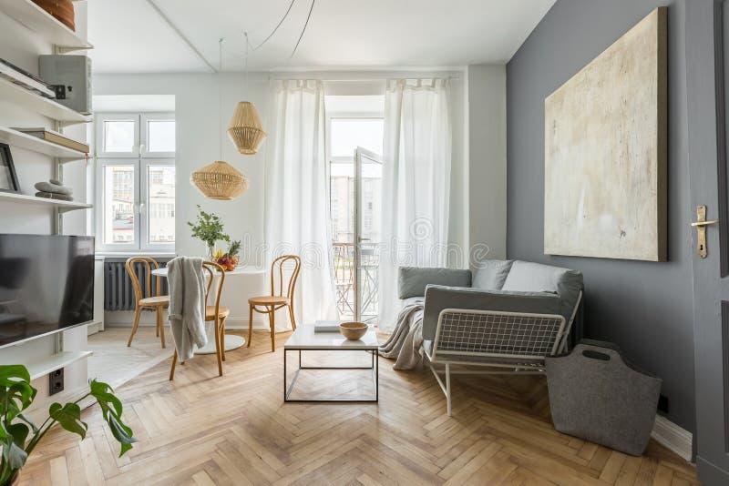 Casa no estilo escandinavo foto de stock