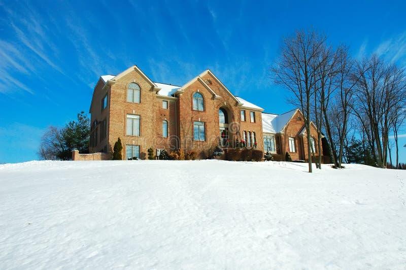 Casa no inverno fotografia de stock