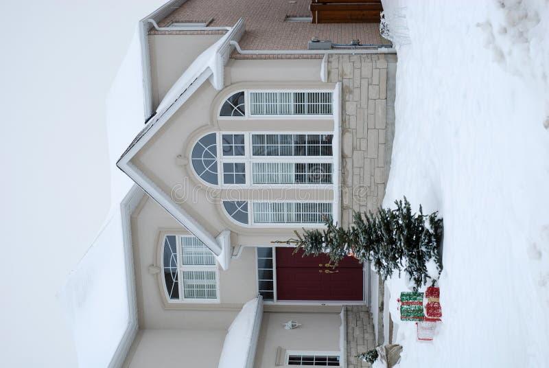 Casa no inverno - Natal fotos de stock