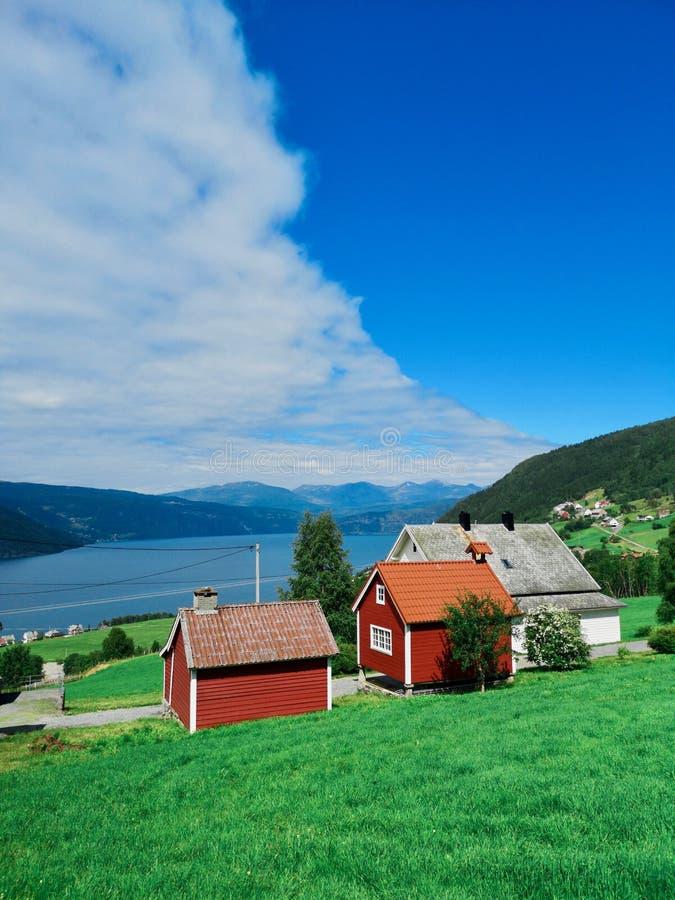 Casa norvegese in Utvik immagine stock libera da diritti