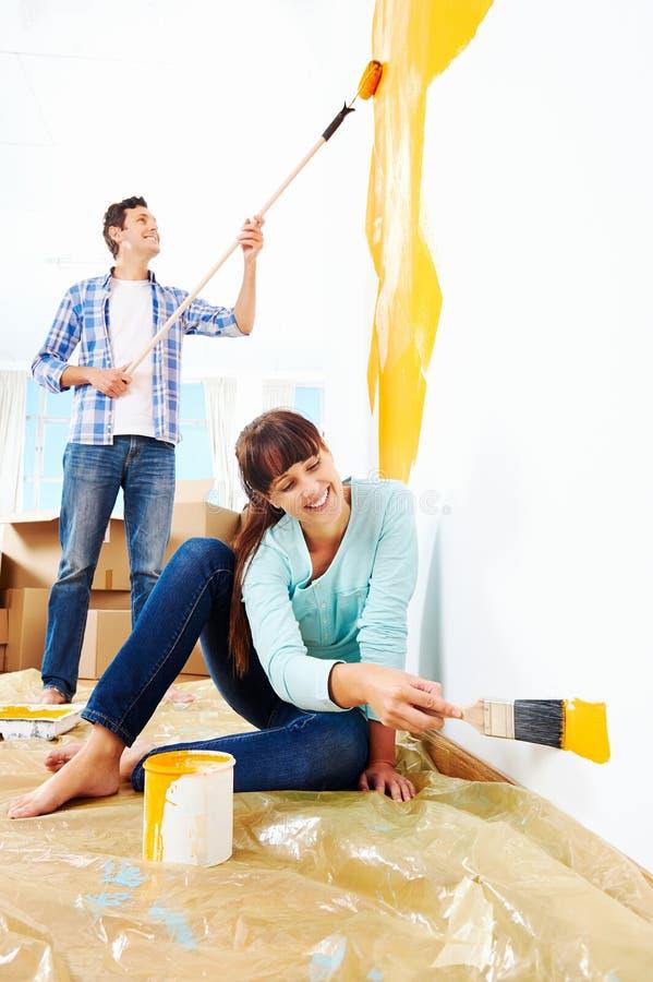 Casa nova de pintura foto de stock
