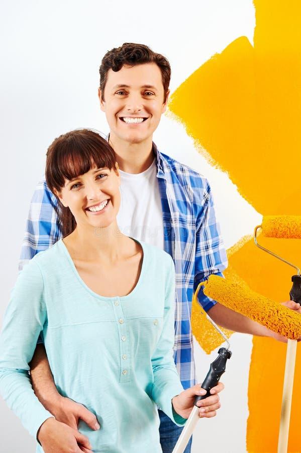 Casa nova de pintura fotografia de stock