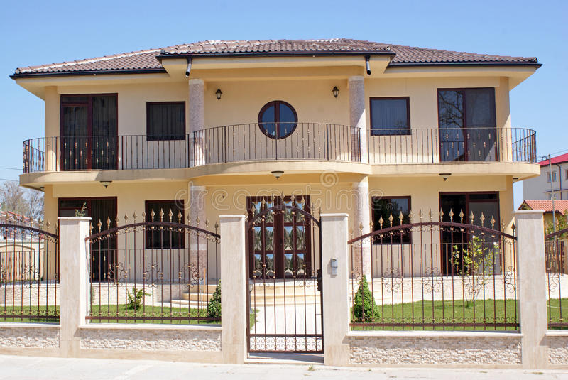 Casa nova luxuosa imagem de stock