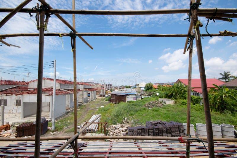 Casa nova residencial da construção em andamento foto de stock