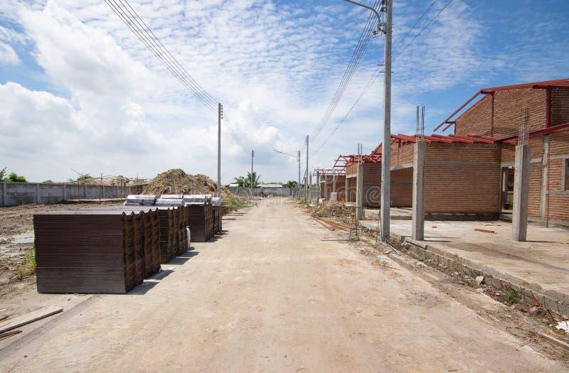 Casa nova residencial da construção em andamento fotografia de stock royalty free