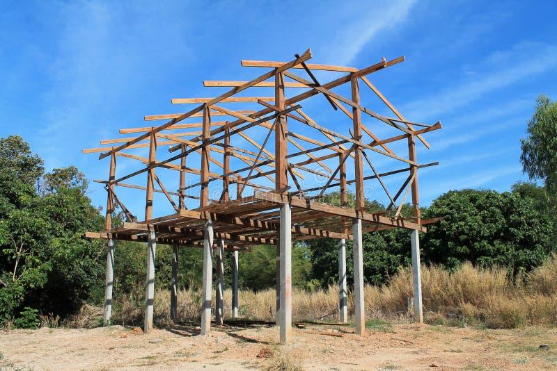 Casa nova sob a construção - construa sua casa ideal. fotos de stock