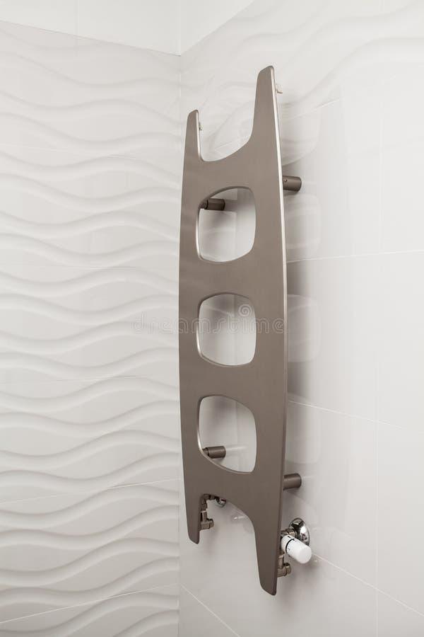 Casa nuvolosa - radiatore fotografie stock libere da diritti