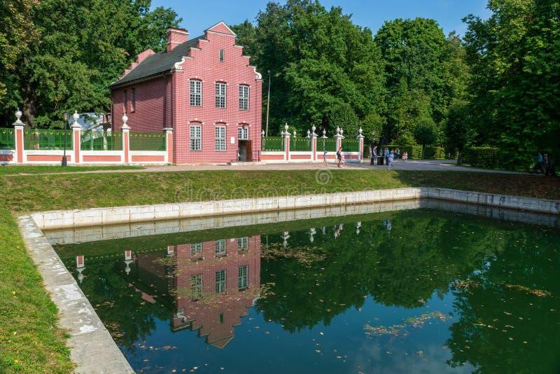 Casa olandese nel parco di Kuskovo fotografie stock