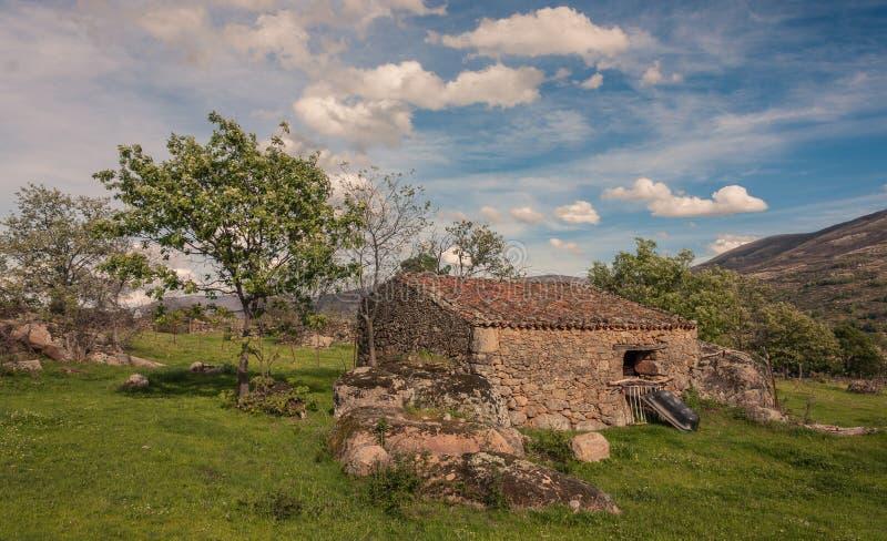 Casa pequena da pedra imagens de stock royalty free