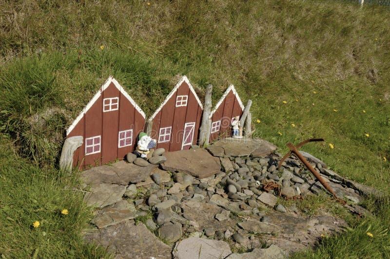 Download Casa Pequena Do Duende Do Brinquedo Em Islândia. Imagem de Stock - Imagem de outdoors, exterior: 26514299
