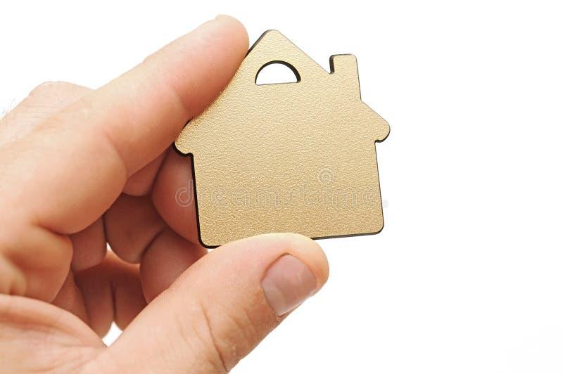 Download Casa pequena na mão humana foto de stock. Imagem de configuração - 26519438