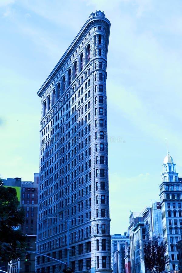 Casa plana de Nueva York alta con arquitectura interesante foto de archivo