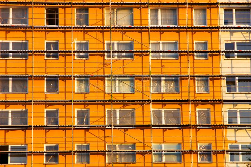 Casa prefabricada anaranjada foto de archivo libre de regalías