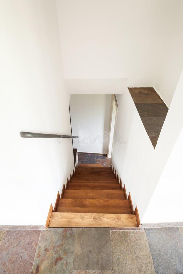Casa rústica interior, escadas imagens de stock