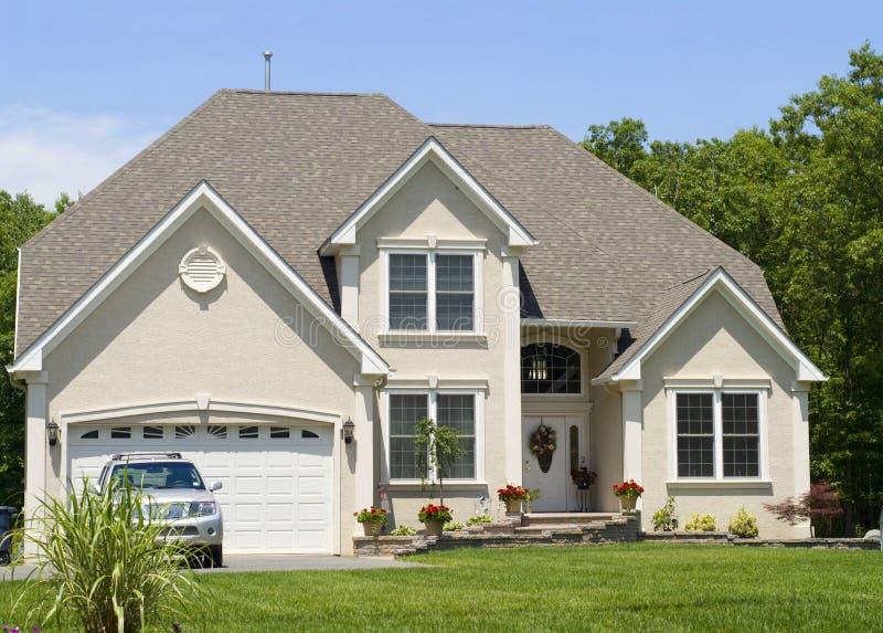 Casa residencial nova imagem de stock royalty free