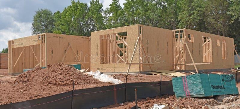Casa residencial sob a construção não secada dentro imagem de stock royalty free