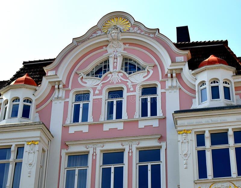 Casa rosa Frammento della facciata, stile dell'impero Architettura di Europa fotografia stock