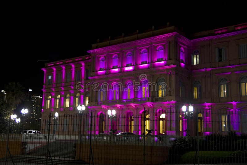 Casa Rosada nocą (Różowy dom) obrazy stock