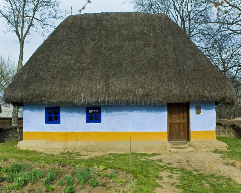 Casa rumana vieja foto de archivo