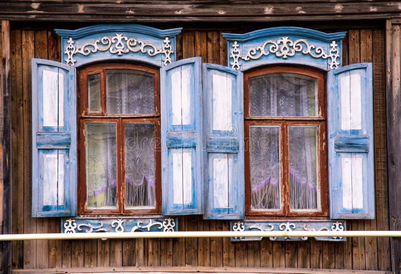 Casa rusa típica imagenes de archivo