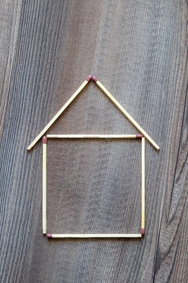 casa semplice dei bastoni della partita fotografie stock libere da diritti