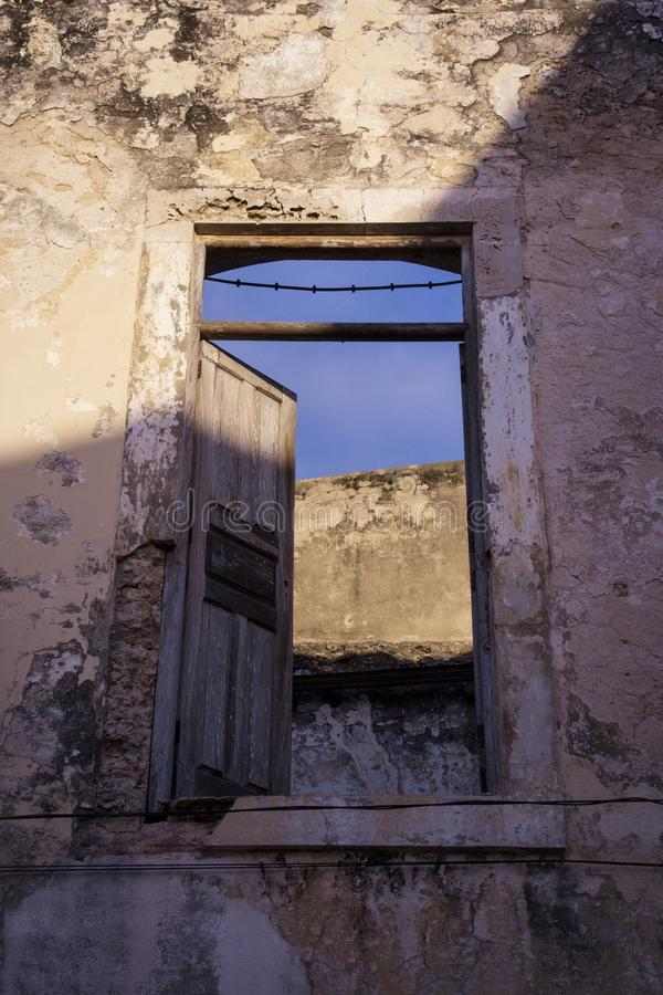 Casa senza tetto di Colonia nel Mozambico fotografia stock libera da diritti