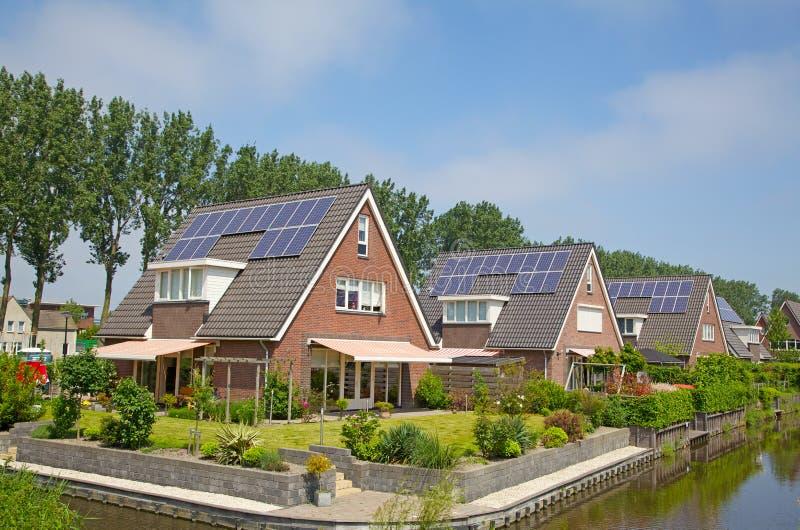 Casa solar fotos de archivo