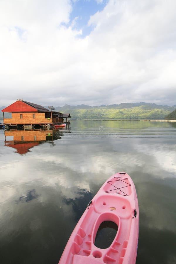 Casa su acqua fotografie stock