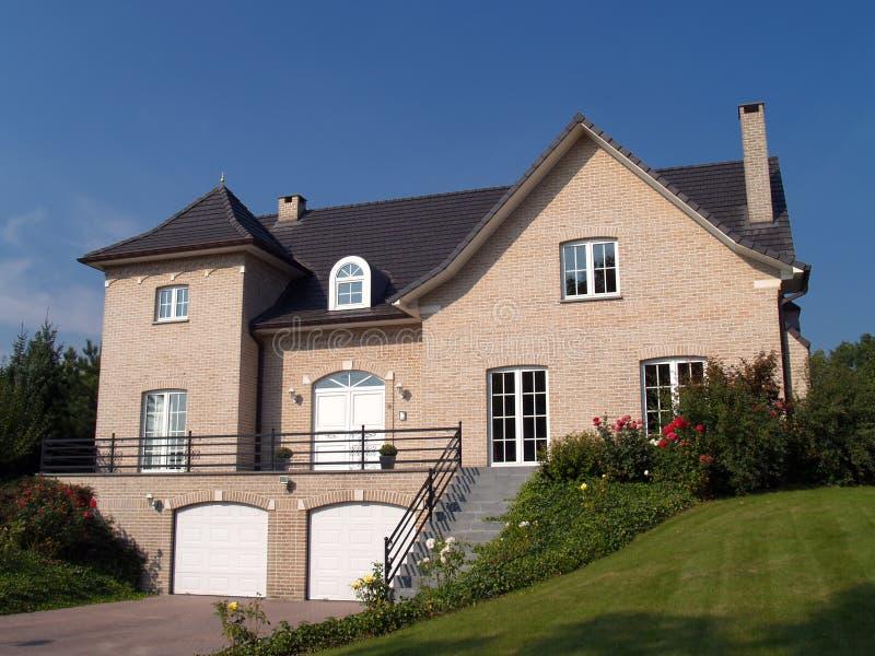 Casa suburbana. immagine stock