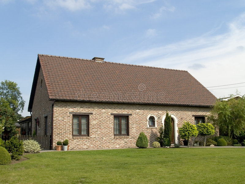 Casa suburbana. imagen de archivo libre de regalías