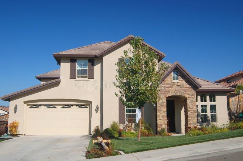 Casa suburbana fotos de stock royalty free