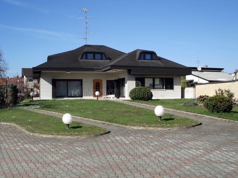 Casa suburbana fotografia stock libera da diritti