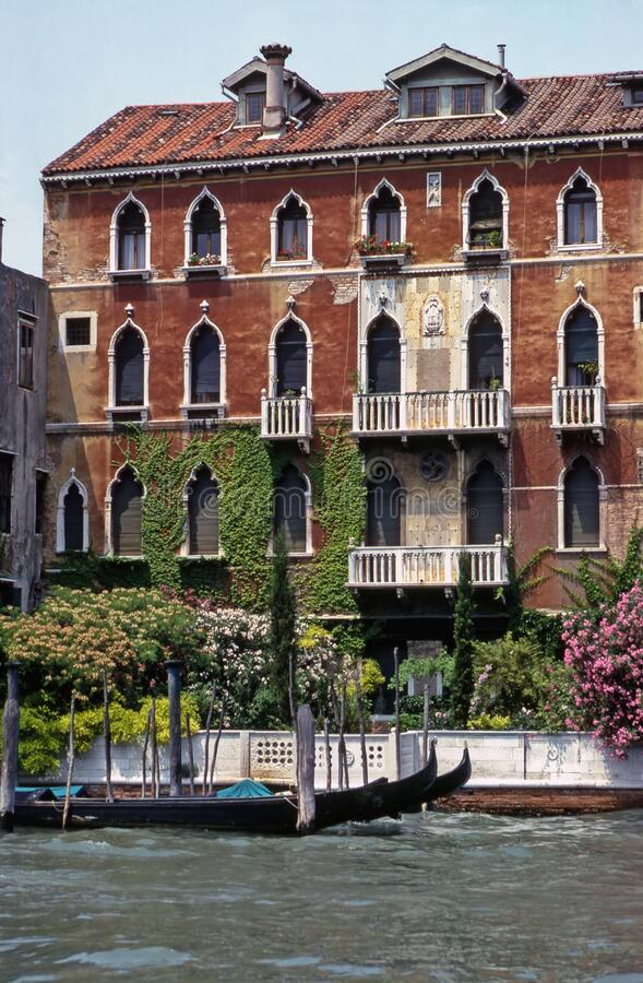 Casa sul canale di Venezia, Italia immagine stock libera da diritti
