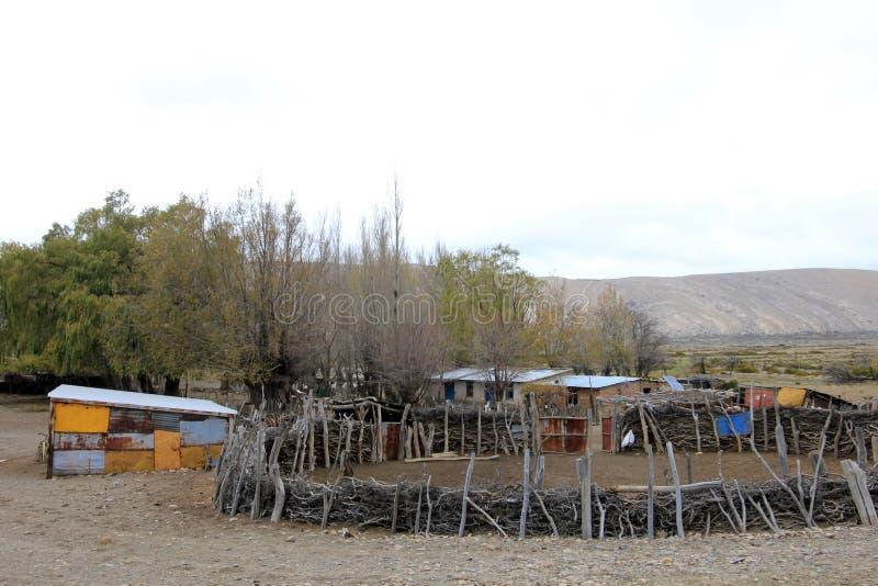 Casa suramericana pobre de la granja, la Argentina imagen de archivo libre de regalías