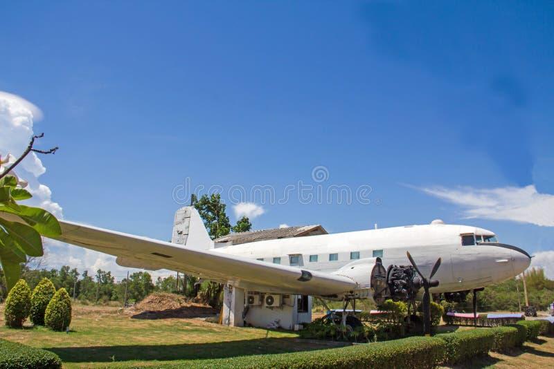 Casa sviluppata dell'aereo sta facendo una vita immagini stock libere da diritti