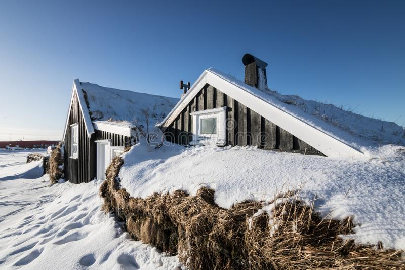 Casa típica do islandês de Stekkjarkot fotografia de stock royalty free